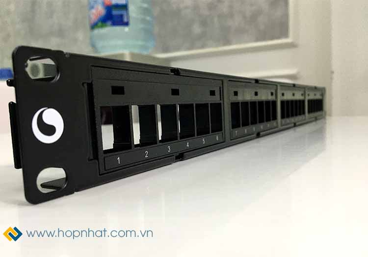 Patch Panel 24 Port Cat6 COMMSCOPE AMP